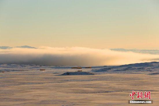 新疆罕见低云层奇景