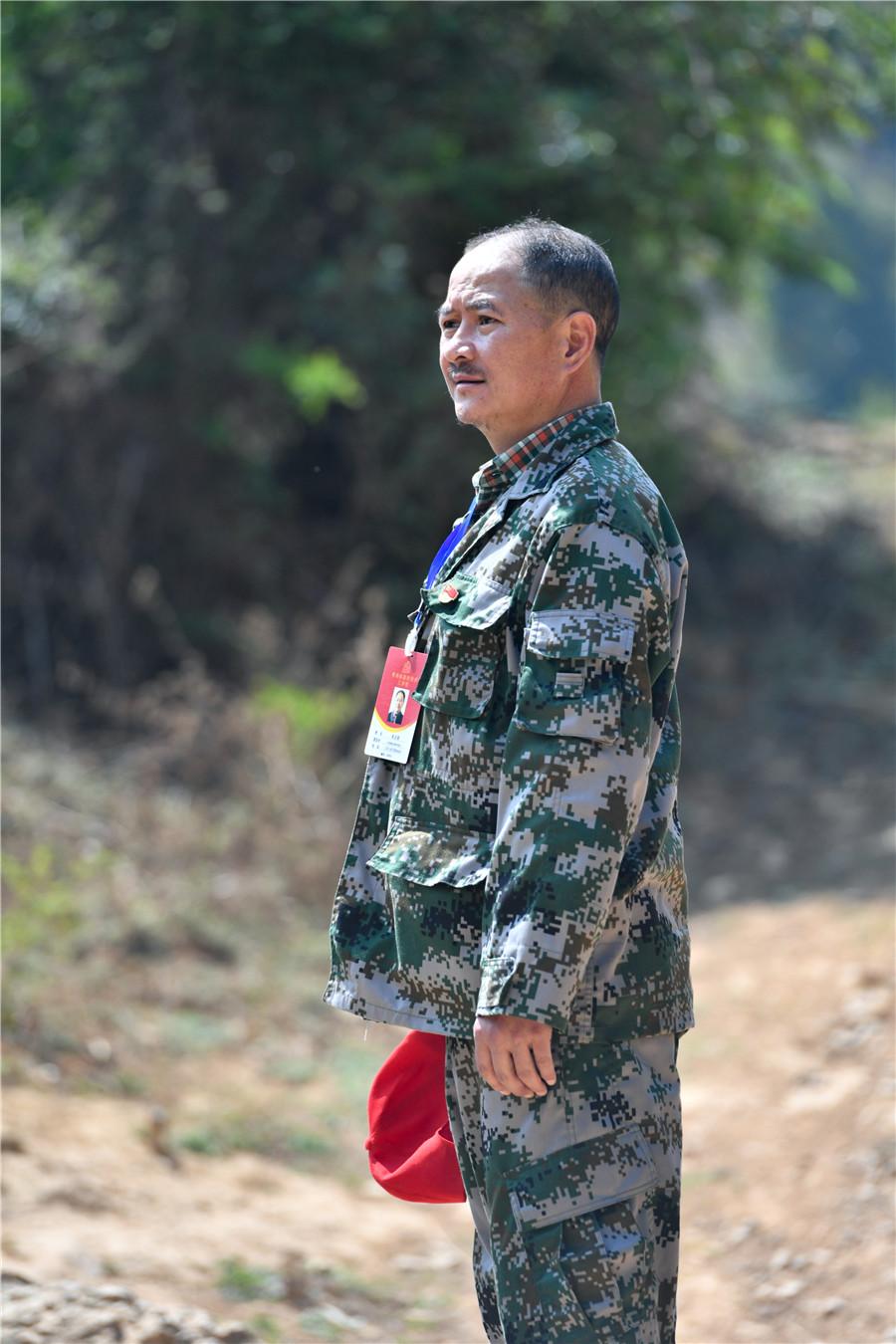 <p>移动驻村扶贫队员朱文荣。</p>