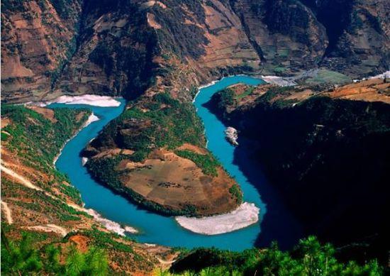 壮美的山河古迹,古老的人文风光,走吧,用车轮碾过1100多公里的怒江,用